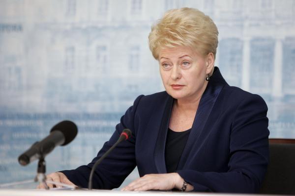 D.Grybauskaitė Rusijos prezidento prašo K.Donelaičio muziejų išlaikyti valstybės žinioje