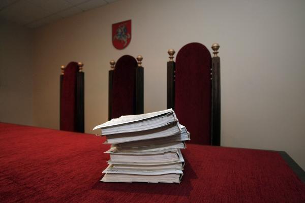 Už grasinimus administracijos vadovui - teismas