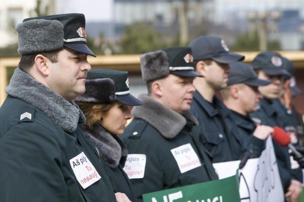 Per tūkstantmečio minėjimą - itališkas pareigūnų streikas