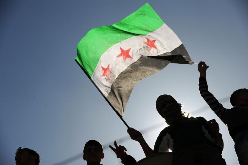 Sukilėlių lyderis: Sirijos pajėgos išžudė daugiau kaip 200 žmonių