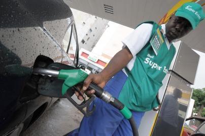 Sumažėjusi naftos kaina teikia vilties