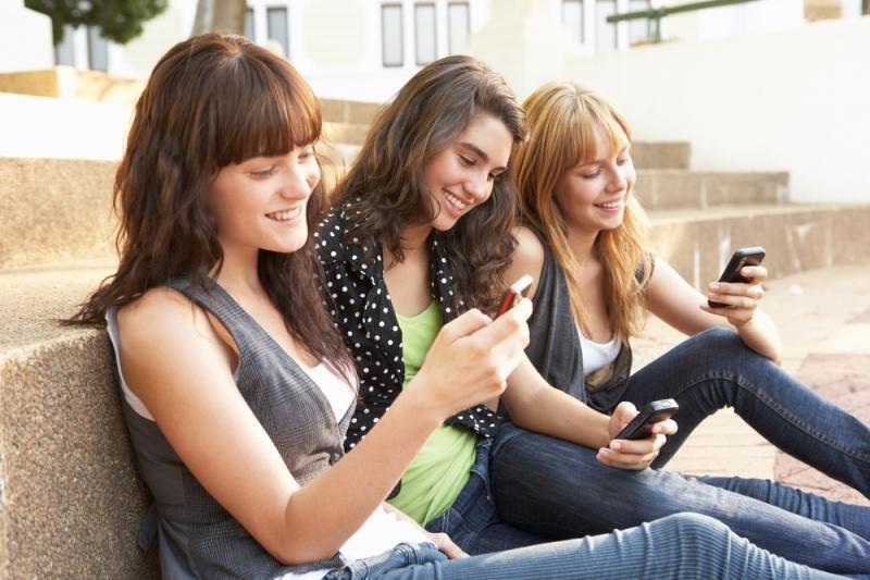 Mobiliuosius telefonus turi trys ketvirtadaliai pasaulio gyventojų