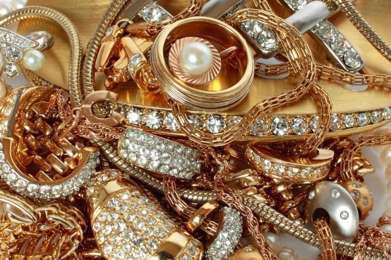 Vilniuje pavogta turto už 100 tūkst. Lt, dingo ir XIX a. aukso žiedas