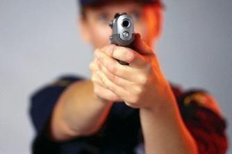 Paauglę šūviu iš orinio pistoleto sužalojo draugas