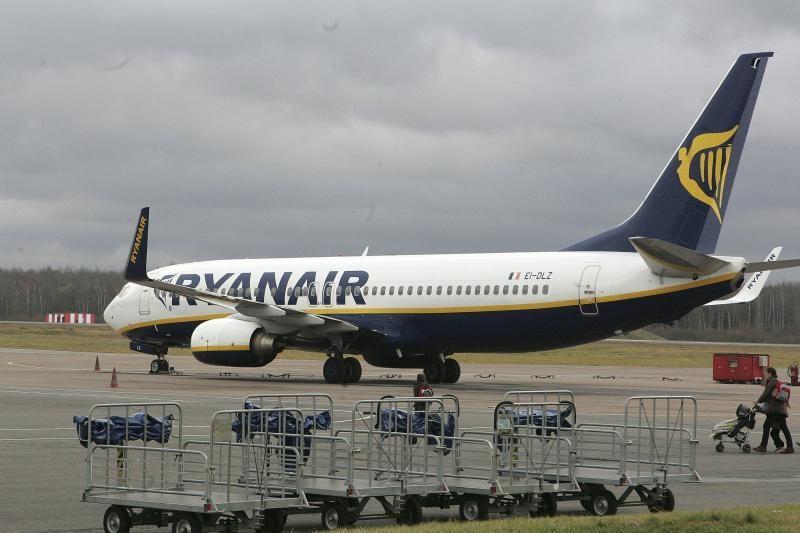 """Apmokestintos """"Ryanair"""" sėdynės kelia įtarimų dėl saugumo"""