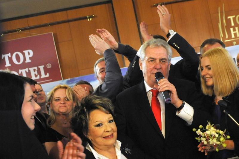 Čekijos prezidento rinkimus laimėjo kairiųjų atstovas M. Zemanas