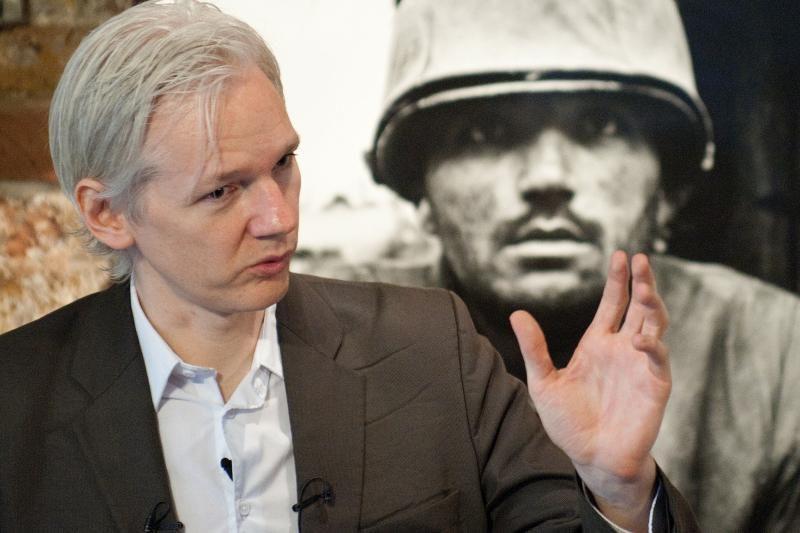 """""""WikiLeaks"""" įkūrėjas per teletiltą su JT išjuokė B. Obamą"""