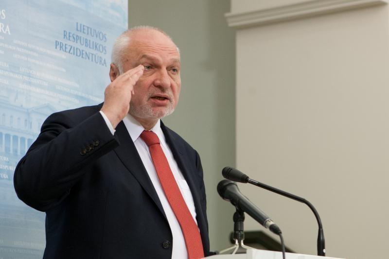Aplinkos ministras V. Mazuronis: nuomojamuose ežeruose – jokių tinklų