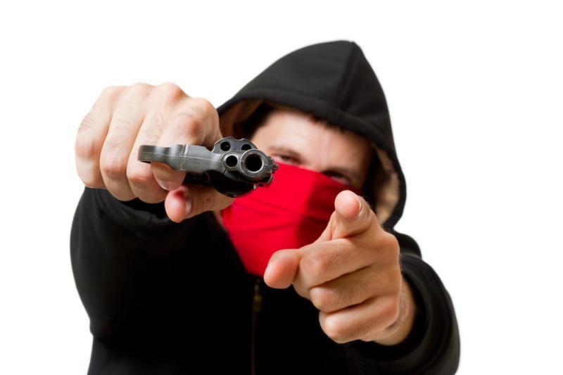 Plėšimu įtariami nepilnamečiai sulaikyti