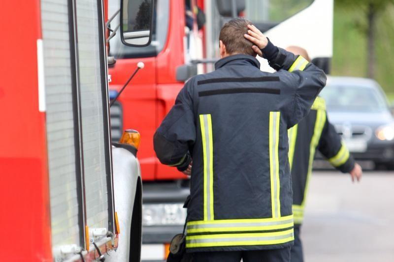Automagistralėje Klaipėda-Vilnius dega vilkikas