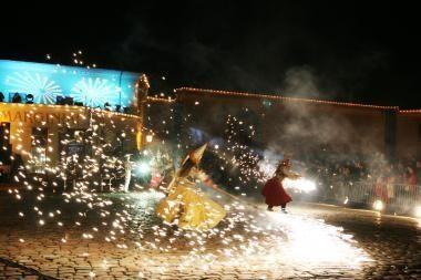 Eglutės įžiebimo šventėje Klaipėdoje – ugnies šou