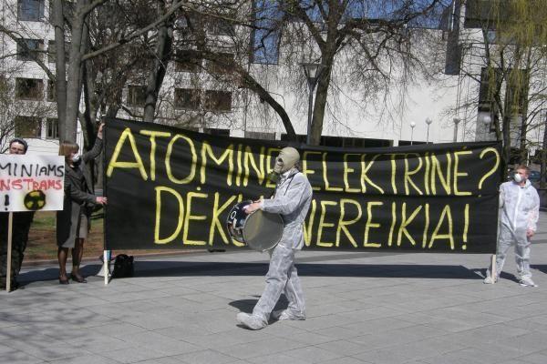 Ar gamtos sukelti sprogimai Japonijos AE sustabdys atominės statybas Lietuvoje?