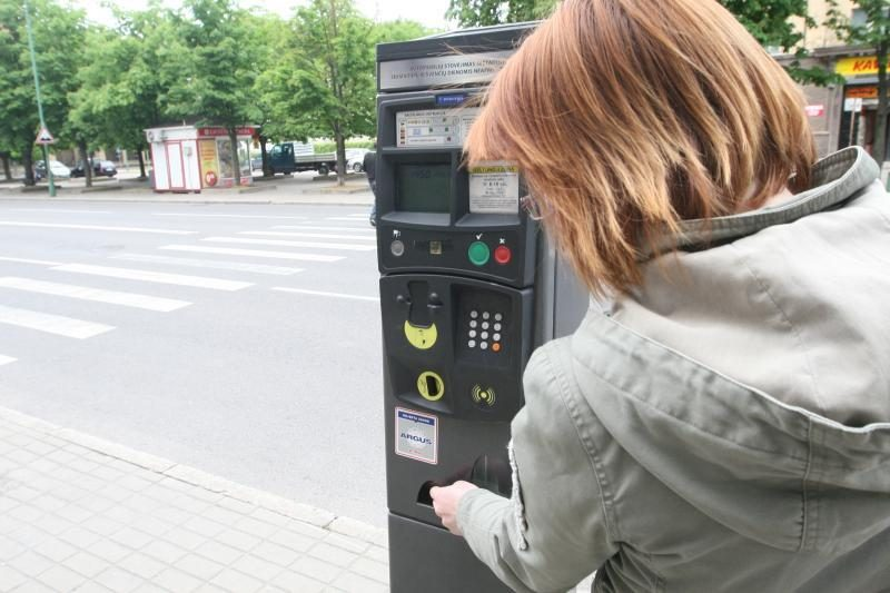 Elektromobilių vairuotojams Klaipėdoje siūlomos lengvatos