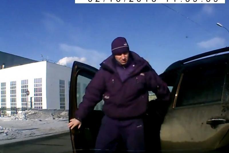 Vairuotojų konfliktas Rusijos gatvėje: kai dužta stiklai
