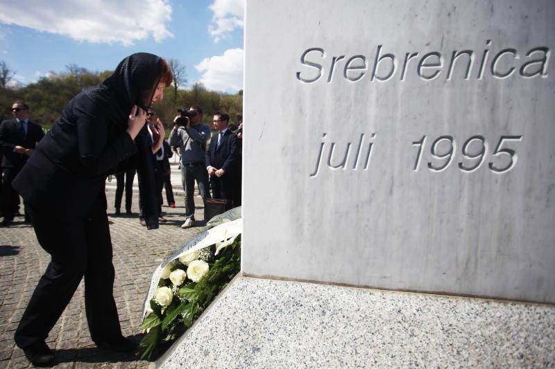 Serbijos prezidentas atsiprašė dėl Srebrenicos žudynių