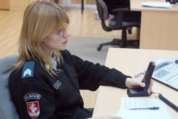Kriminalai Vilniuje: šaudyta į pasipriešinusį plėšikams, pavogtas auksinis laikrodis
