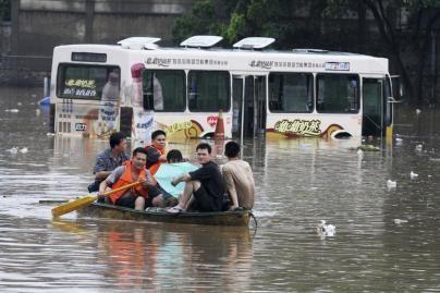 Kinijoje potvyniai pasiglemžė 11 gyvybių