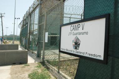 Septyni Gvantanamo kaliniai kreipėsi į teismą
