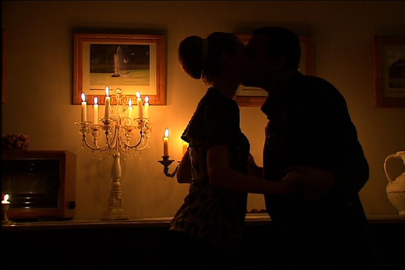 Pavydas konkurentėms: Radži bučiavo naujokę
