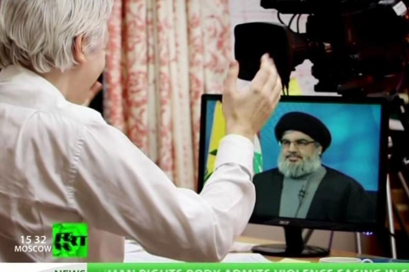 """J.Assange'as pirmoje savo TV laidoje kalbėjo su """"Hizbollah"""" vadovu"""