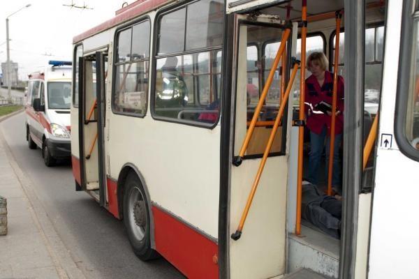 Ekspertas: Vilniaus valdžia turi įrodyti, kad vaizdo kameros viešajame transporte būtinos