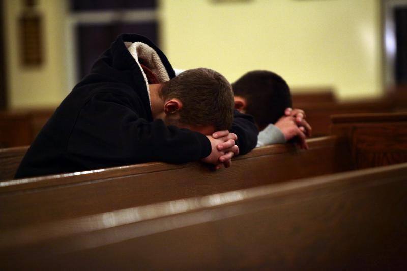 Žudynių JAV mokykloje aukos bus pagerbtos tylos minute