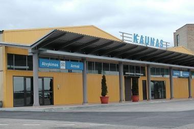 Oro uostuose keleivių dar daugėja