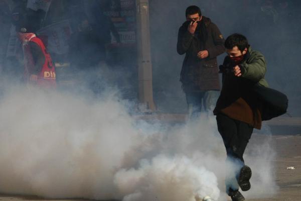 Turkijos policija vaikė draudimų nepaisiusius protestuotojus