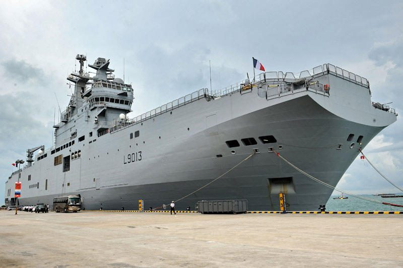 """Rusijos kariai nuo 2014 metų mokysis valdyti desanto laivus """"Mistral"""""""