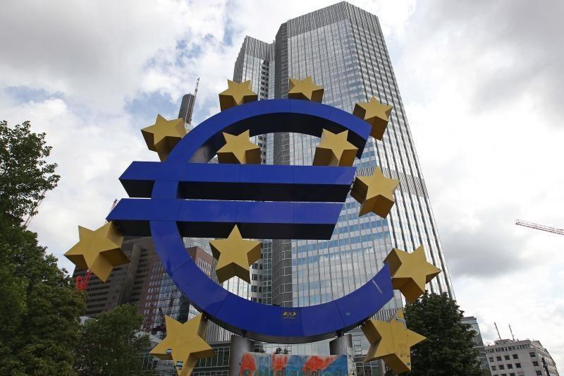 Suomijos prezidentas: šalims naudinga atitikti euro įvedimo kriterijus