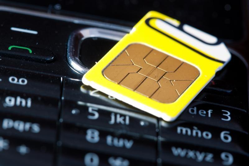 Vietnamas siekia apriboti SIM kortelių žmogui kiekį iki 18