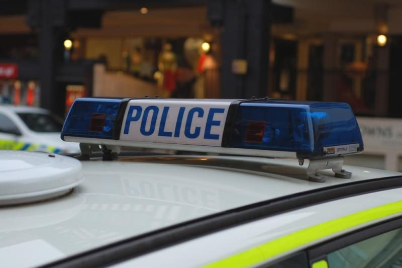 Škotijoje lietuvis pagalbos telefonu klausė, kur įsigyti alkoholio