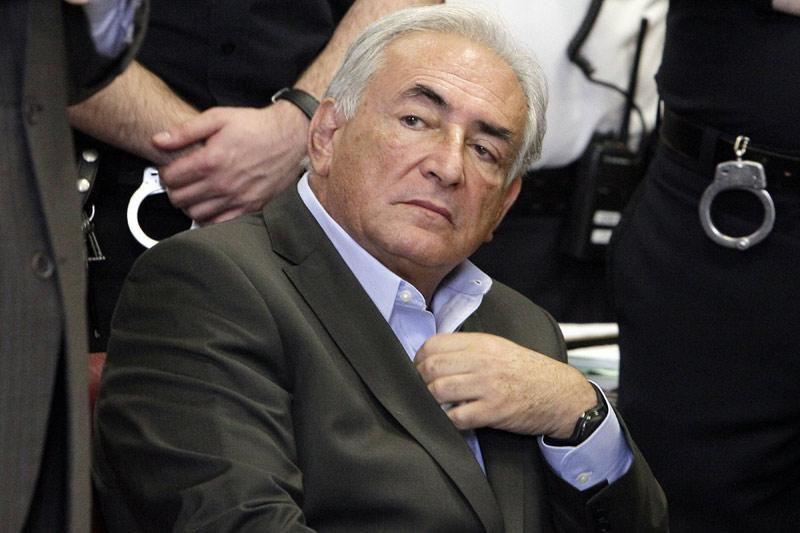 """D.Straussas-Kahnas moteris SMS žinutėse vadino """"įranga"""""""