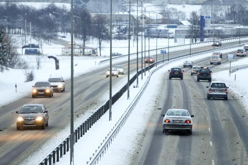 Žiema prasidėjo. Ar jūs ir jūsų automobilis jau pasiruošę?