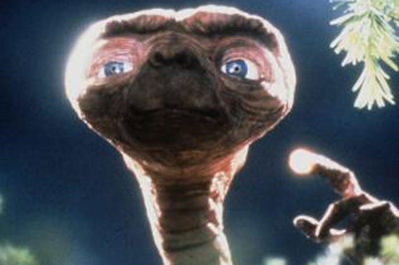 Buvusi SETI direktorė: kam ateiviams užkariauti Žemę?