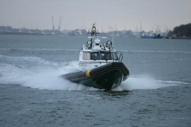 Lenkų jachta įsipainiojo į žvejų tinklus