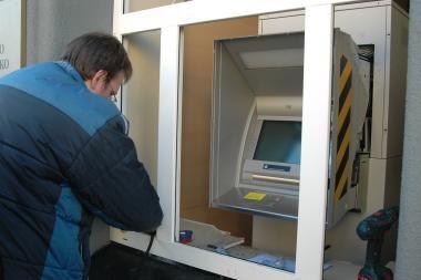 Šventojoje per 4 minutes apvogtas bankomatas