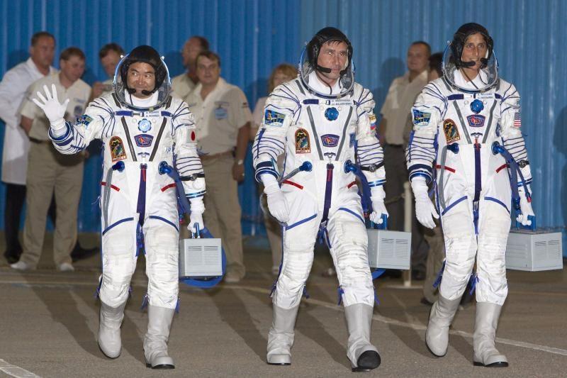 Keista, bet tiesa: kosmose astronautai paauga