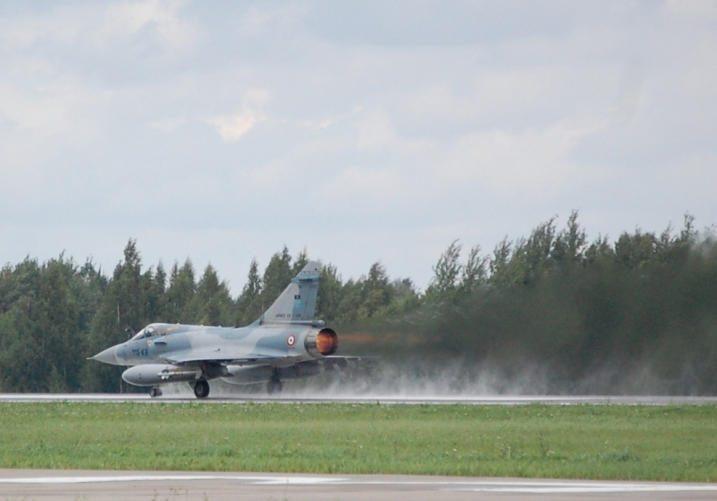 Baltijos šalių oro erdvės kontrolę perima prancūzų naikintuvai