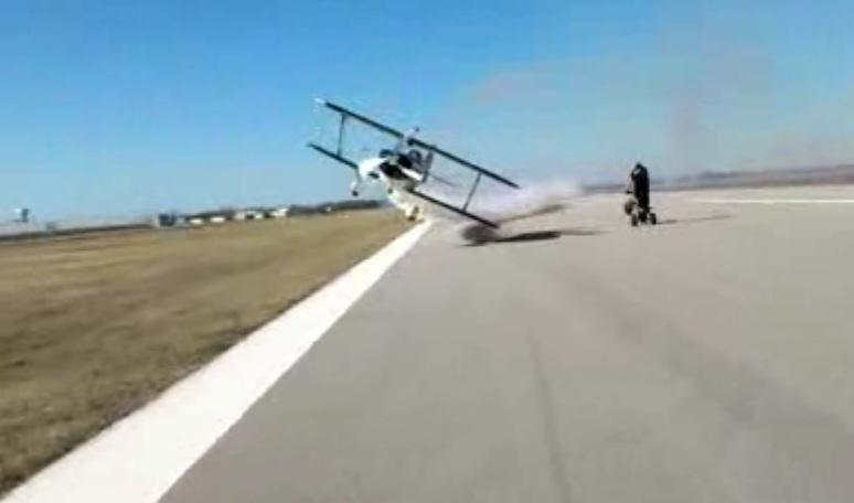 Beprotišku triuku norėjęs pasipuikuoti pilotas užsitraukė nemalonę