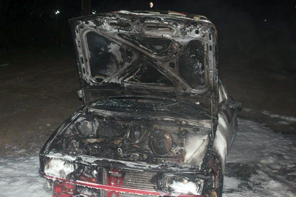 Vilniuje sudegintas pagrobtas automobilis