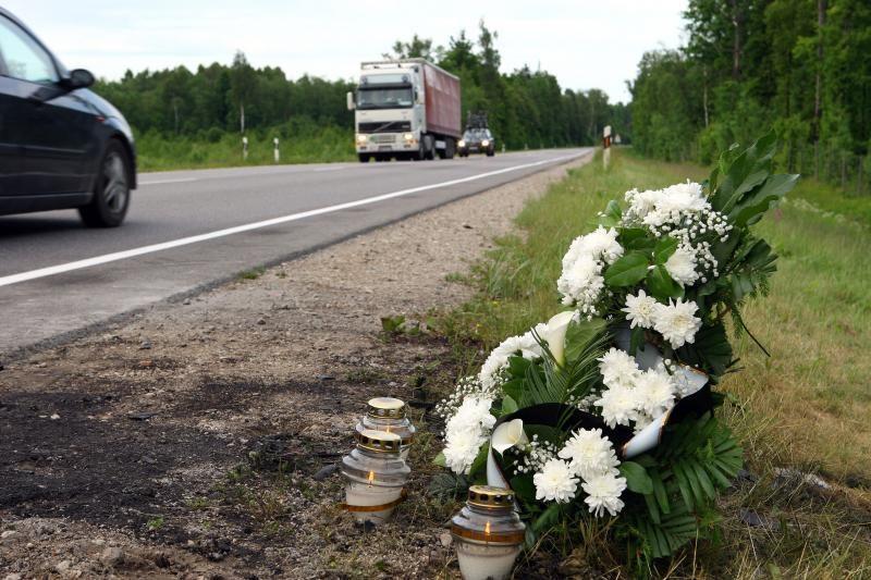 Telšių rajone susidūrus automobiliams žuvo jaunuolis