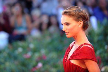 Naujame filme N.Portman pasirodys vilkėdama vien atvirą bikinį