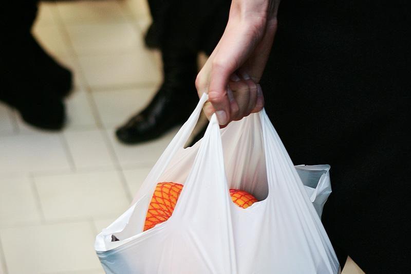Visoje Europoje planuojama uždrausti nemokamus plastikinius maišelius