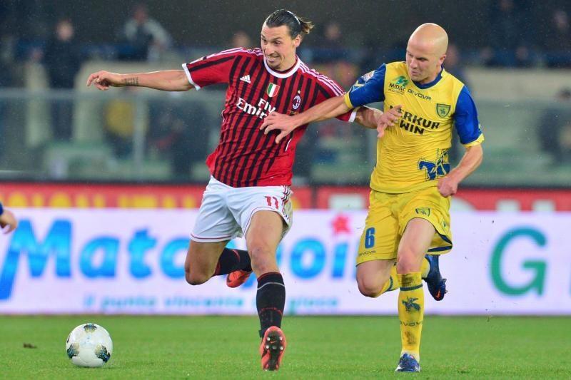 """""""AC Milan"""" susigrąžino lyderio poziciją"""