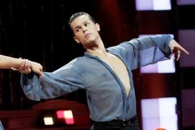 Žinomi šokėjai ves nemokamas šokių pamokas
