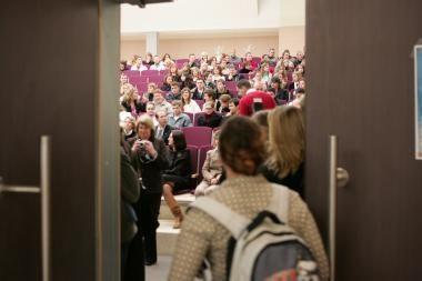 Aukštosiose mokyklose studijuoja 9,4 tūkst. mažiau studentų