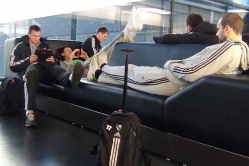 Dėl suirutės Vilniaus oro uoste užsitęsė žalgiriečių kelionė į Madridą