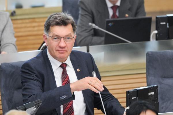 Socialdemokratai siūlo įvesti progresinius mokesčius