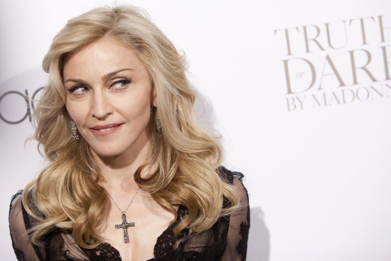 """Rusijos vicepremjeras dainininkę Madonną išvadino """"buvusia kekše"""""""